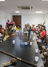 Representantes de tribos indígenas são recebidos no Palácio da Abolição para discutir políticas públicas para as comunidades