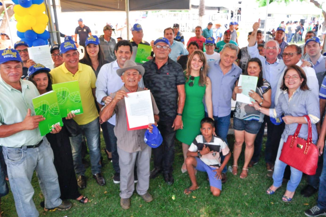 No aniversário de 135 anos de Ipueiras, a população rural recebe 114 títulos de terra