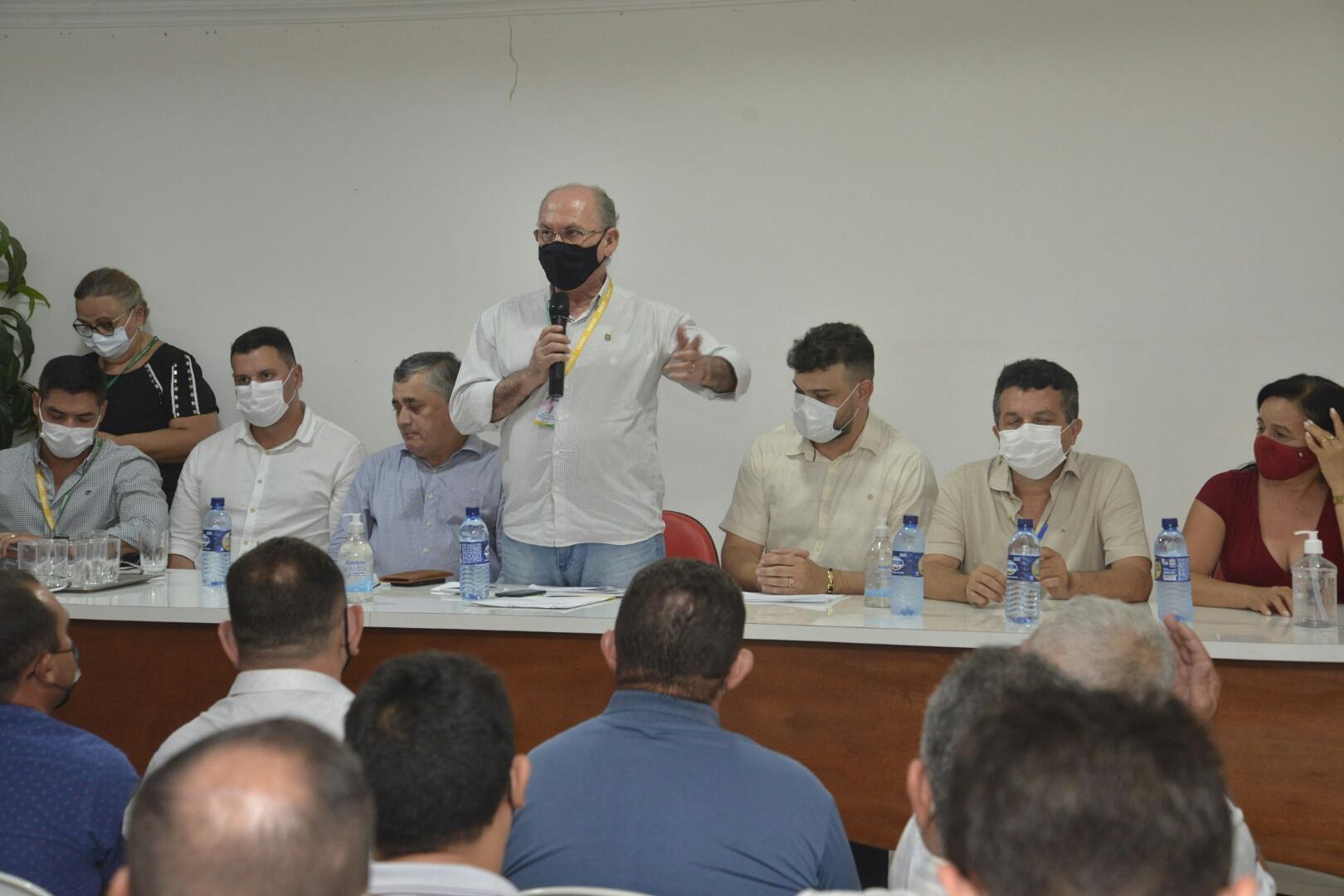 Governo do Ceará autoriza construção de escola de educação profissional e obras do Sinalize na região de Crateús